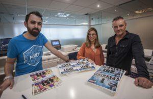 Inma, encargada de Comunicación, junto con los dos miembros del Departamento de Diseño; Jorge Peñalver y Jorge López